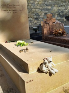 Ilsa and Algernon at the grave of Jean Paul Sartre and Simone de Beauvoir.