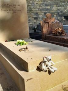 Ilsa and Algernon at the grave of Jean Paul Sartre and Simone de Beauvoir.
