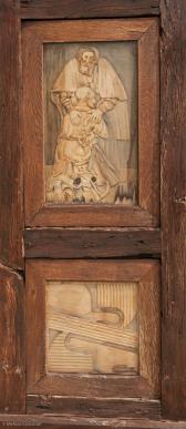 Detail from left side of door.