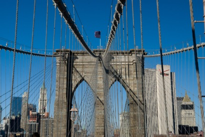 New York City: Brooklyn Bridge with view of Manhattan