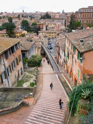 This image of a staircase in Perugia made my calves ache all over again!