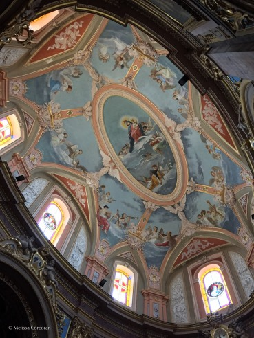 and the ceiling of its dome.